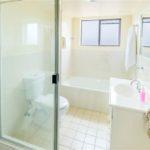 Apartment 17 Bathroom